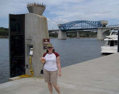 Melanie, a beer and the Tennessee River